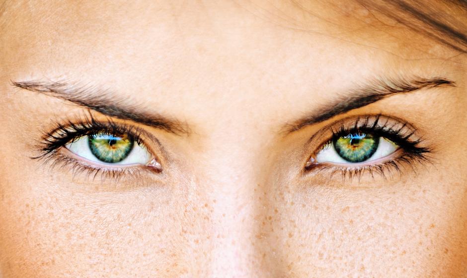 lente-de-contato-verde