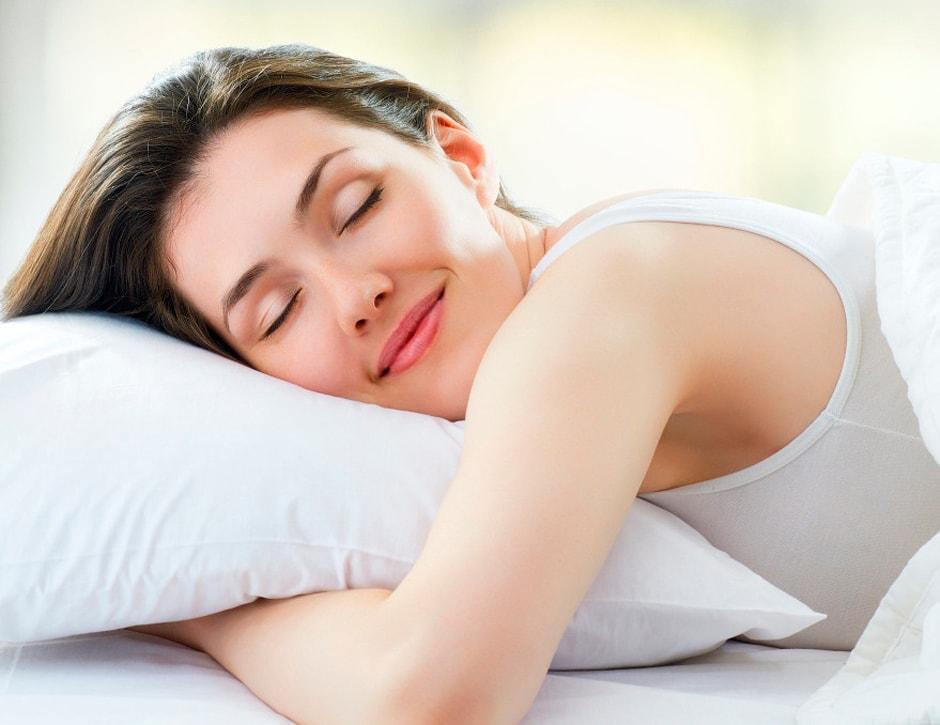 Melhor não dormir com a lente de contato