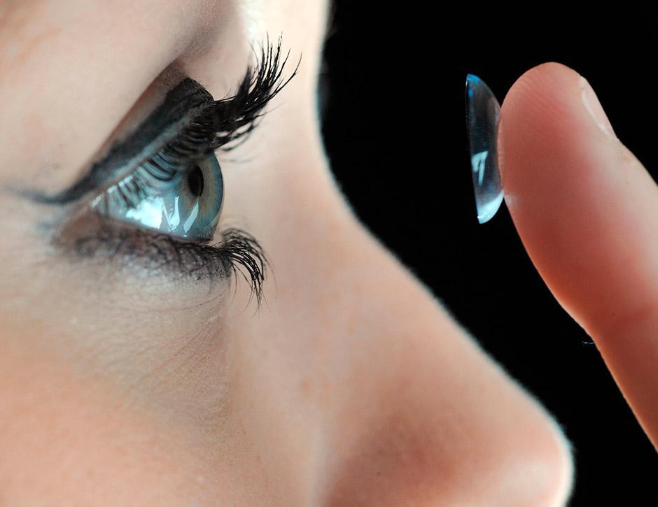 como-as-lentes-de-contato-são-feitas-001-thumb
