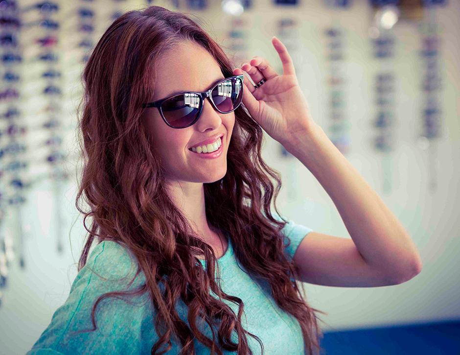 Usando um óculos de grau falsificado você pode não estar corrigindo sua  visão como também pode estar prejudicando ela. Se você possui uma miopia e  usa um ... 7c29ebb09f