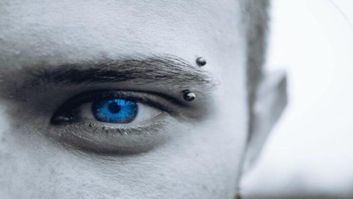 Piercing nos olhos